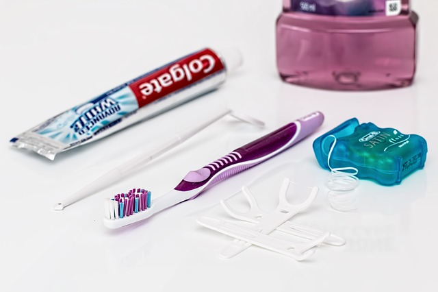 tooth brush and floss to clean teeth